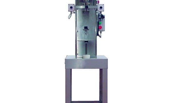 Halbautomatische Spindel-Flaschenverschließmaschine